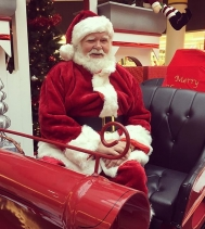 #santaclaus is here and looking more jolly then ever! Come and take a ride on his magical sleigh!christmas #realbeards #shopping #yqr #family #photoshoot @northgateyqr